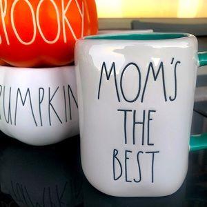 RAE DUNN 💙 Mom's the best Mug